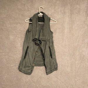 Marrakech Army green vest